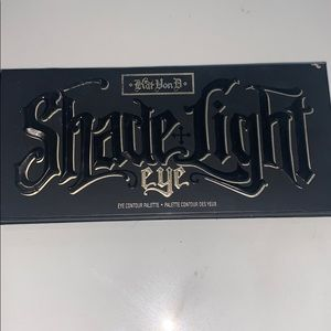Katvondi shade light eyeshadow palette